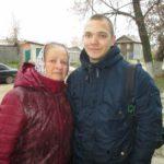 Иван Ванчугов с бабушкой Валентиной Михайловной.